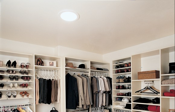 Daylighting device closet